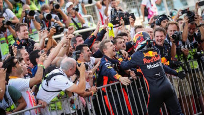 foto: F1 | BAKÚ: Ricciardo se corona en la jornada más loca del año