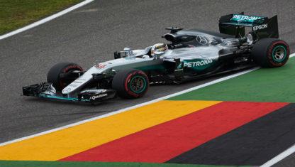 foto: Fórmula 1 | En el ecuador del campeonato, la batalla entre Mercedes y Ferrari está más igualada que nunca.