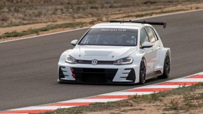 foto: Volkswagen prueba su Golf GTI TCR para el WTCR 2019 en Almería