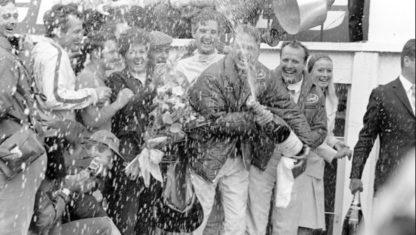 foto: Así nació la tradición del baño de champán en el Motorsport