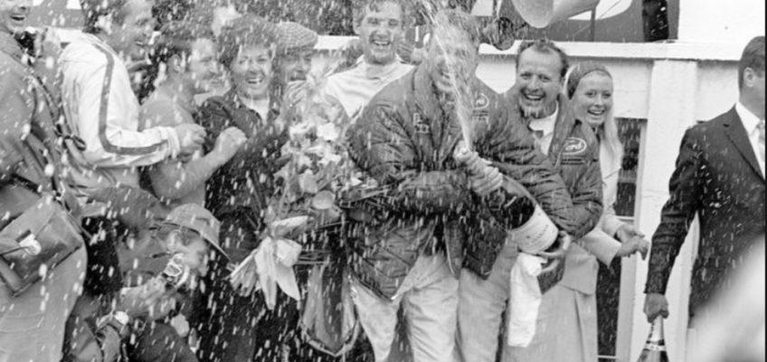 Así nació la tradición del baño de champán en el Motorsport