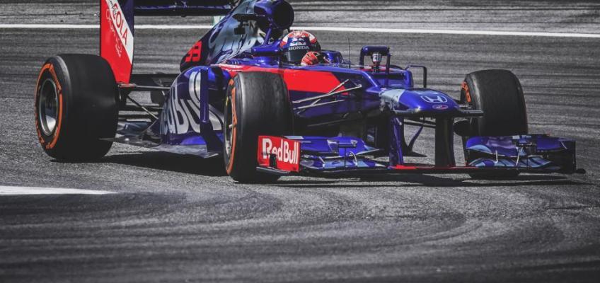 Lewis Hamilton y Marc Márquez se retan en la pista