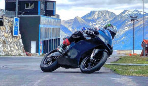 foto: Viñales se sube a una moto dos meses después de su accidente