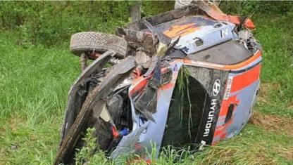 foto: Accidente fuerte de Thierry Neuville durante un test en Finlandia
