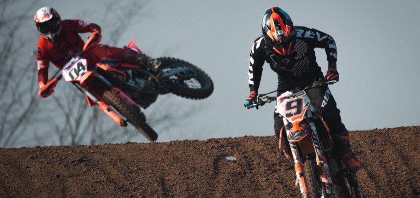 Andrea Dovizioso, operado con éxito tras romperse la clavícula en una accidente de motocross