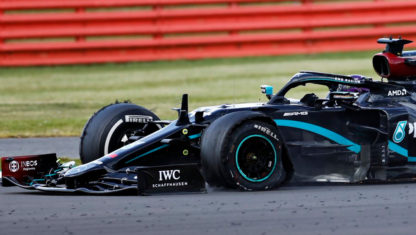 foto: GP de Gran Bretaña de F1 2020: Hamilton gana con un ¡neumático pinchado!
