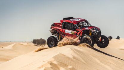 foto: Gran debut de Laia Sanz en coches al rozar el podio en la Baja de Dubái