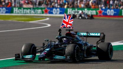 foto: GP de Gran Bretaña F1: Hamilton gana tras chocarse con Verstappen